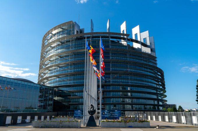 Statele UE au aprobat interzicerea utilizării colorantului alimentar dioxid de titan (E171) de la jumătatea anului viitor