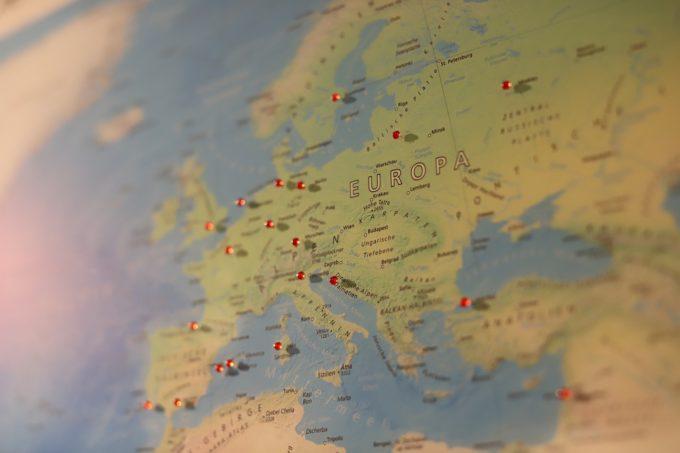 Studiu: 72% dintre europeni intenţionează să facă cel puţin o călătorie până la sfârşitul lunii septembrie