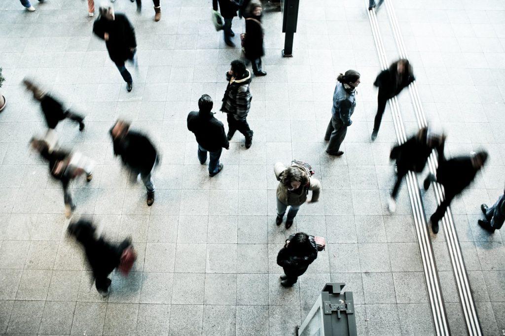 Subsidiara din Spania a Vodafone va disponibiliza peste 500 de angajaţi din cauza concurenţei intense