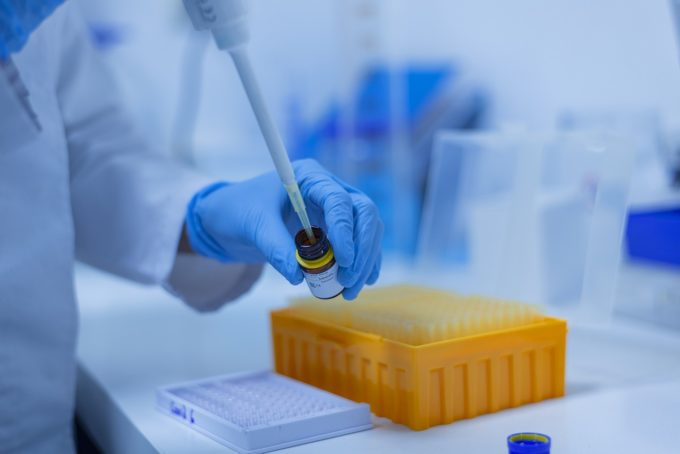 Tătaru: Au fost operaţionalizate depozitul central şi cele din teritoriu pentru vaccinul anti-COVID