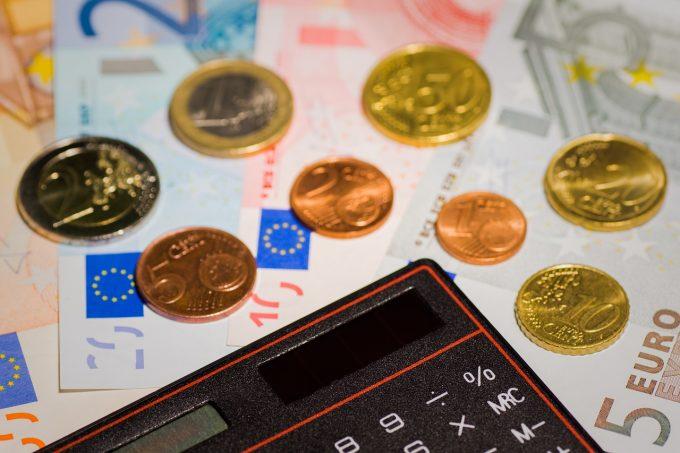 Teodorovici: Românii care lucrează în străinătate vor transfera banii fără comisioane bancare, din iunie