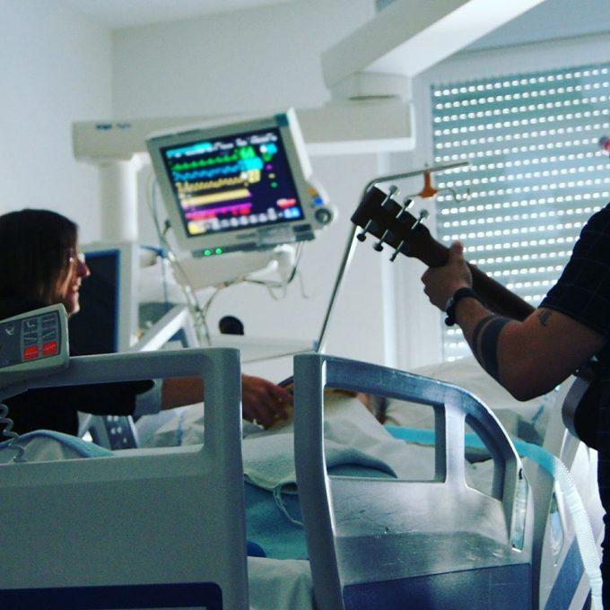 Terapia muzicală, un tratament non-farmacologic pentru pacienții în stare critică de la Spitalul din Torrejón
