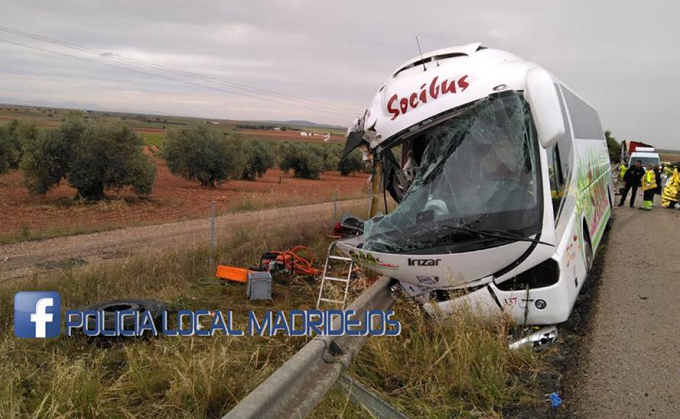 VIDEO: Toledo - Grave accidente entre un autobús y un camión en Madridejos
