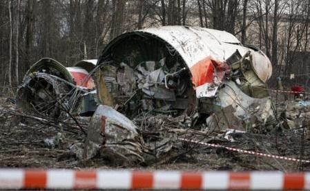 Tragedia de la Smolensk: Parchetul polonez acuză controlori de trafic aerian ruși că au provocat 'voluntar' prăbușirea