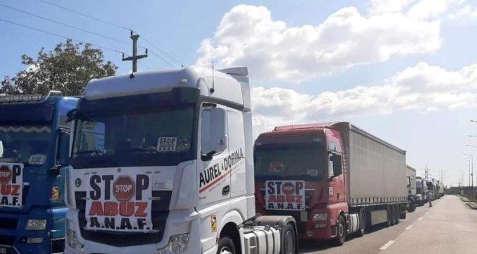 Transportatorii au protestat cu aproximativ 400 de camioane pe centura municipiului Arad