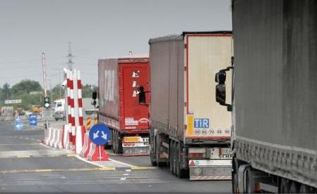 Transportatorii rutieri solicită autorităților să elaboreze cât mai rapid noua schemă de rambursare a supraaccizei