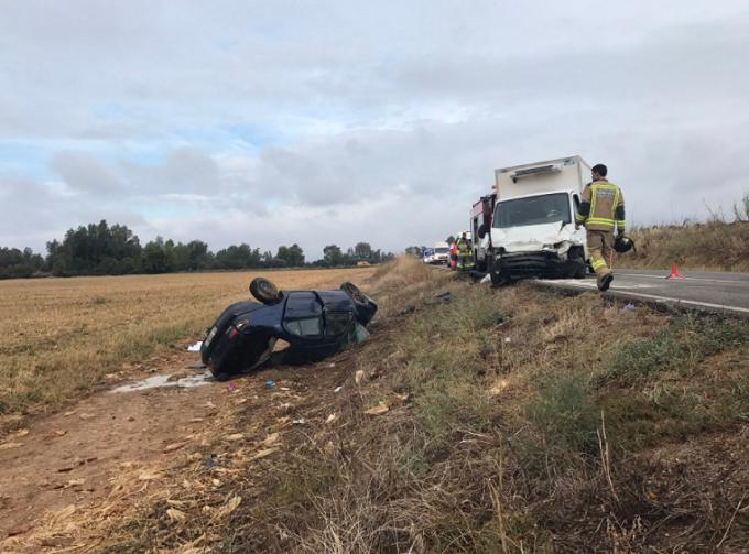 Tres fallecidos de la misma familia rumana en un accidente, en la EX-209 (Badajoz y Mérida)