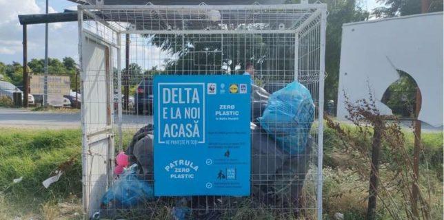 Tulcea: Patrula Zero plastic în Deltă a distribuit turiştilor 3.000 de kit-uri pentru strângerea deşeurilor
