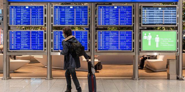 UE îndeamnă la limitarea călătoriilor în faţa unei situaţii ''foarte grave''