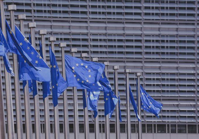UE: Macron salută ''cel mai important moment de la crearea euro''