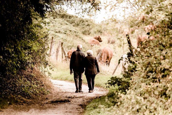 UE se confruntă cu provocarea unei populaţii îmbătrânite