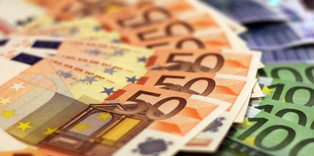UE vrea sa înfiinţeze o agenţie europeană împotriva spălării banilor