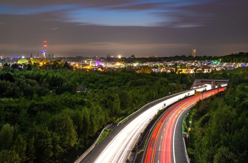 UNTRR: Transportatorii rutieri din România pot recupera o parte din taxa de drum plătită în Germania