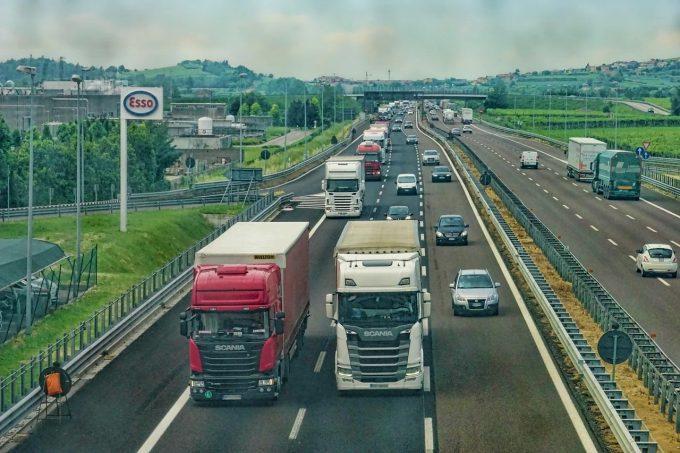 UNTRR solicită Guvernului soluţii concrete pentru digitalizarea transporturilor şi prevenirea COVID-19