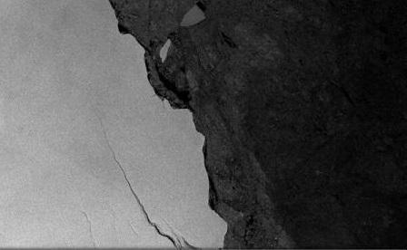 Un aisberg gigant, de circa 6.000 kmp, s-a desprins de Antarctica