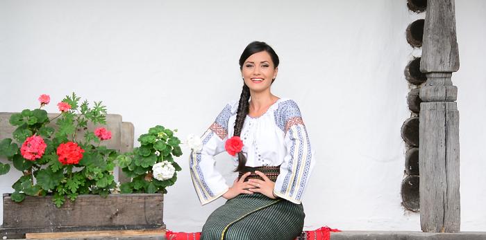 Un interviu deosebit cu interpreta de muzică populară Sînziana Ștefan. Ce provocare ar accepta în privința muzicii?