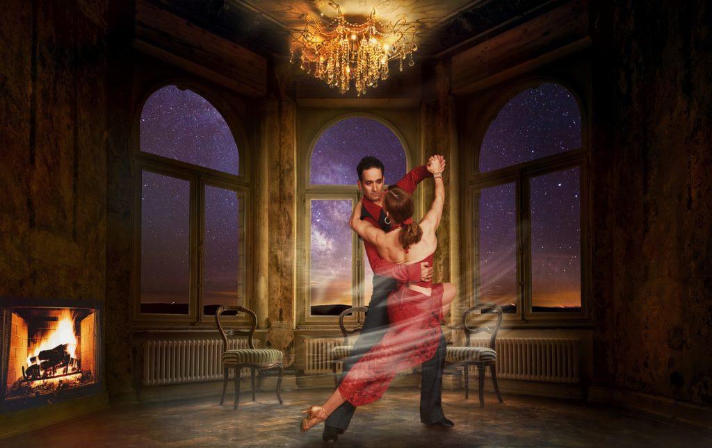 Un oraş din Ungaria ridică o interdicţie în vigoare de aproape o sută de ani de a dansa tango