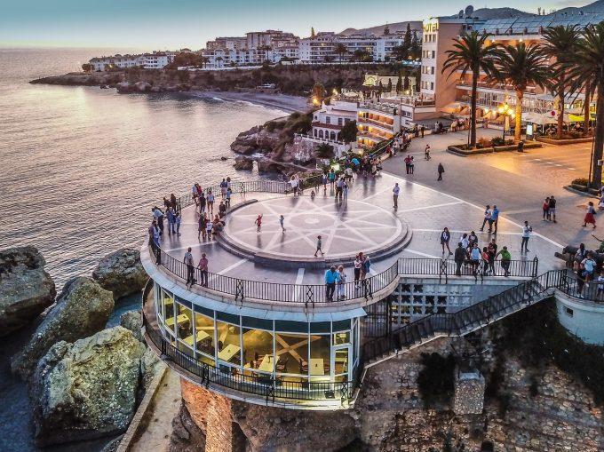 Uniunea Europeană îşi redeschide graniţele pentru sezonul turistic