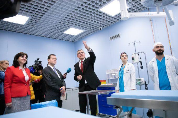 Universitatea de Ştiinţe Agronomice a inaugurat primul spital universitar veterinar de urgenţă din România