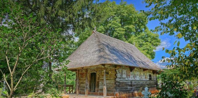Vâlcea: Biserica de lemn din satul Urşi - printre câştigătorii Premiilor Europene pentru Patrimoniu