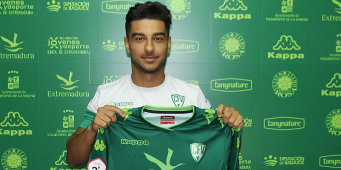 VIDEO: El rumano Eduard Calin, nuevo jugador para el CF Villanovense (Badajoz)