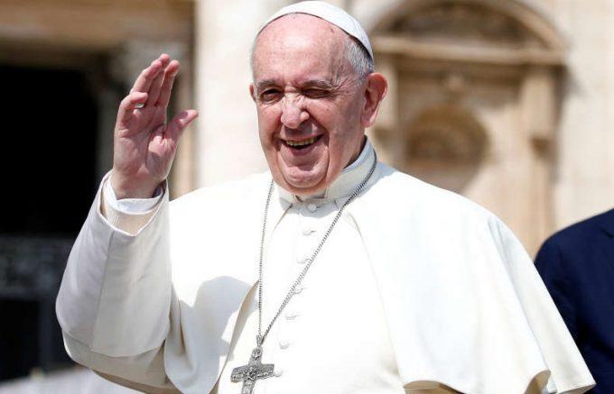 VIDEO Incendiu la Notre-Dame: Papa Francisc transmite pompierilor ''recunoştinţa întregii Biserici'' catolice