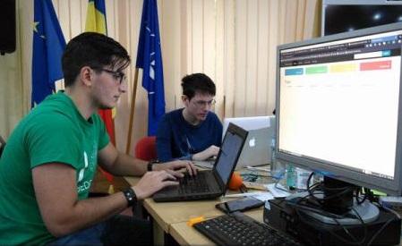 VIDEO: Malaga - 10 elevi și studenți români, specialiști în informatică, la Campionatul European de Cybersecurity