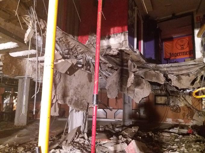 VIDEO: Un român printre cei 22 de răniți la prăbușirea podelei unei discoteci din Tenerife