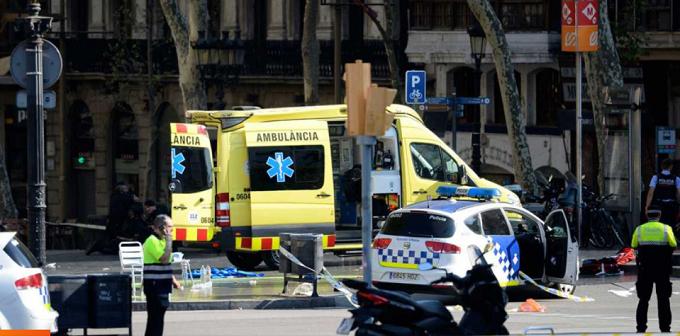 Varios heridos en un atropello masivo en las Ramblas de Barcelona