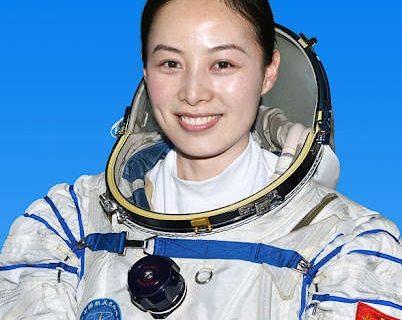 Viitoarea misiune cu echipaj spre Staţia spaţială chineză va include şi o femeie