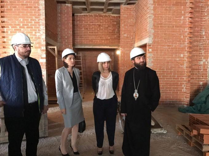Vizita doamnei ministru Maria Ligor la ansamblul Catedrala românilor din Madrid