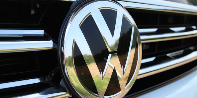 Volkswagen va primi despăgubiri în valoare de 288 milioane de euro de la foştii directori pentru scandalul Dieselgate