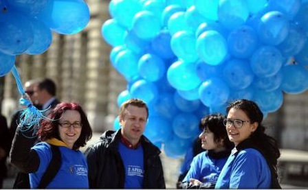Ziua Internațională de Conștientizare a Autismului, marcată de Asociația Conil prin înălțarea de baloane albastre spre cer