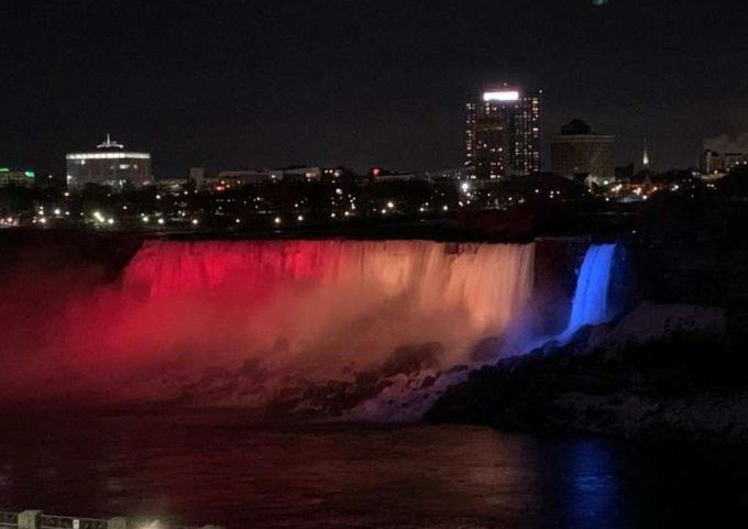 Ziua Naţională a României în Canada, marcată cu spectacol de lumini la Niagara şi înălţare a drapelului la primăria Ottawa