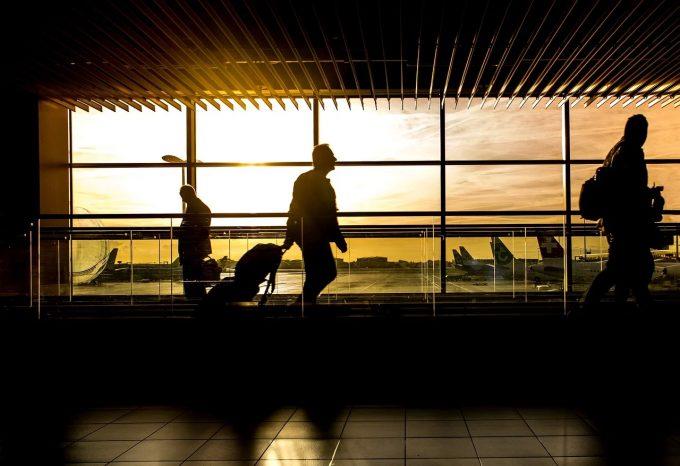 În ultimii patru ani, mai mult de 4% din populaţia României a părăsit ţara